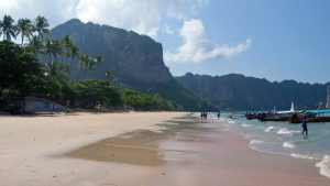 Find the best hostels in Krabi that put you on the path to amazing adventures.