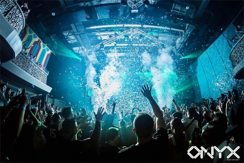 Onyx is the largest nightclub in Bangkok, capacity at 2000 people. Insane.