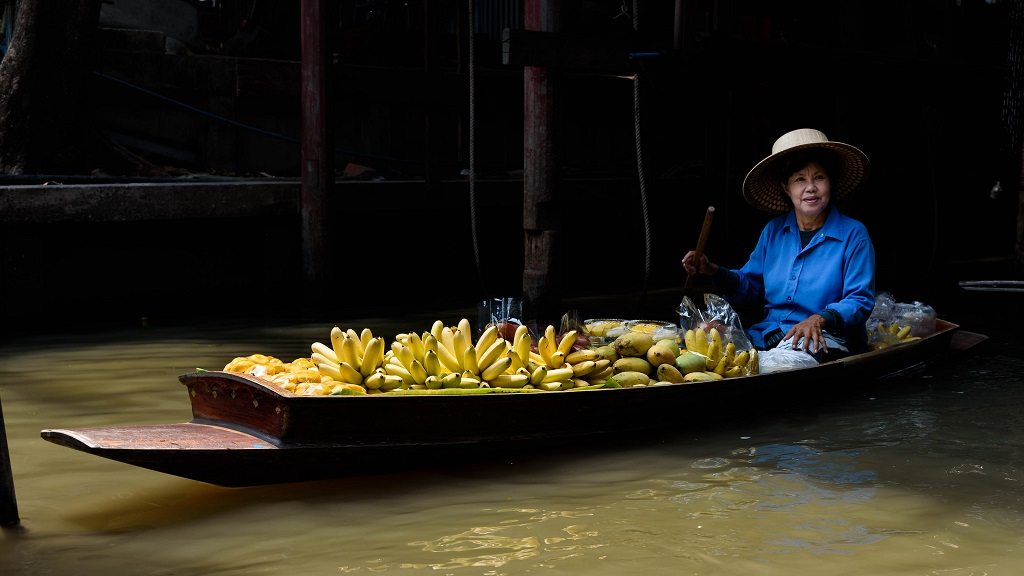 The floating market is a great way to truly immerse yourself in local Thai culture.