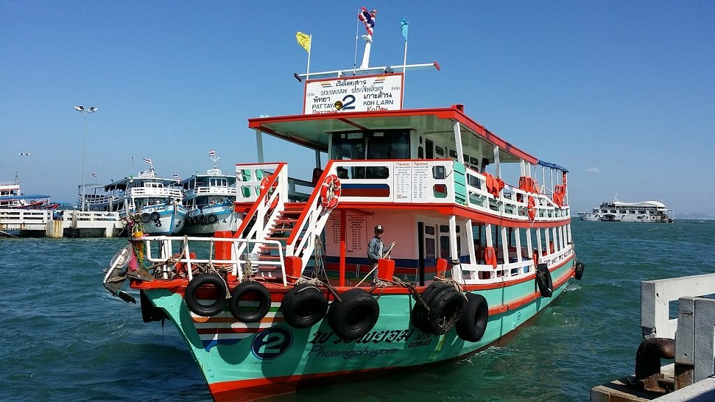 Wondering how to get to Krabi from one of the islands? Take a ferry!