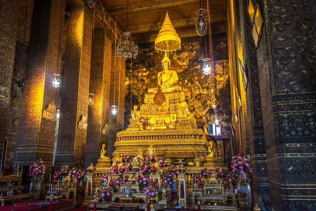 Like most Buddhist temples in Thailand, Wat Pho holds a sacred golden Buddha in its centre.