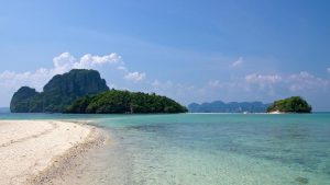 The Island Awesomeness Tour takes you to 4 islands off the shore of Krabi, Thailand.