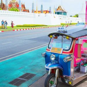 STAY SAVVY: 10 THINGS NOT TO DO IN THAILAND