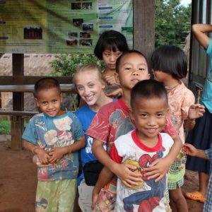 """""""VOLUNTOURISM"""": THE GOOD, THE BAD & THE UGLY SIDE OF YOUR VOLUNTEER TRIP"""