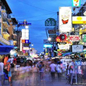 """""""I WILL SURVIVE"""": 6 TIPS FOR SURVIVING KHAO SAN ROAD"""