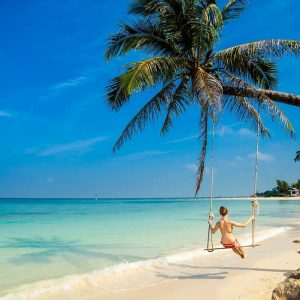 THE SOLO TRAVELER'S GUIDE <br> TO KOH PHANGAN