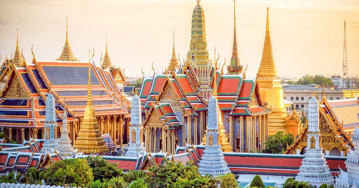 A HISTORY OF WAT PHO & THE RECLINING BUDDHA | Slumber Party Hostels