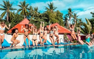 slumber party hostel thailand koh phangan full moon pool