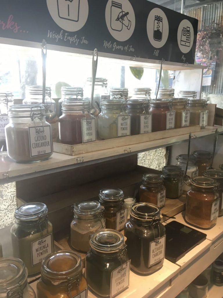 ECO TRAVEL: ZERO WASTE IN CANGGU, BALI : Bulk spices at Alive